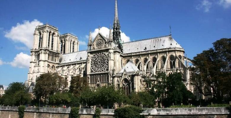 Notre-Dame'ın Kamburu Romanı Sözleri